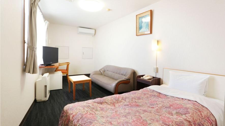 ラージシングルルーム●ツインのお部屋にお一人でご予約されますとこちらのお部屋になる可能性がございます