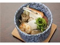 ■海鮮盛りだくさん蒸し物(蟹・海老・帆立・白身魚・蒲鉾、鶏肉等)