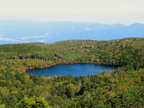 高見石から白駒の池全体像