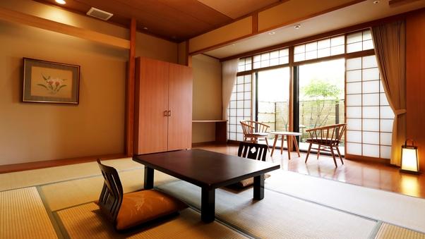 【禁煙】和室10畳【小さなお庭付】