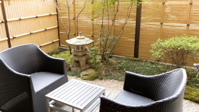 【禁煙室】小さなお庭付き和室10畳☆夕食はお部屋でのんびりプラン