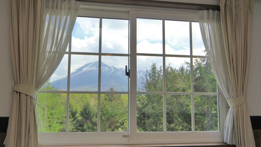 ◆【部屋からの眺め】清涼な空気に包まれた、美しい大自然を満喫する地、八幡平。