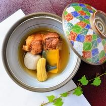 【夕食一例】料理人オススメの豚の角煮!味がしみ込んでいて絶品です!