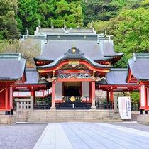 【周辺観光】霧島七不思議の伝説などパワースポットとしても有名な霧島神宮!