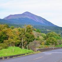 【周辺観光】雄大な高千穂峰を眺めることが出来ます。