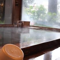 【大浴場】ゆっくり&のんびり湯舟に浸かり、日頃の疲れを癒して下さい。