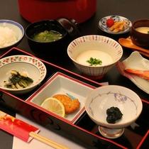 【朝食一例】朝食のお豆腐は毎朝手作りの自慢の一品です。