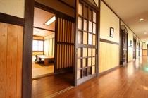 和室12畳2階通路