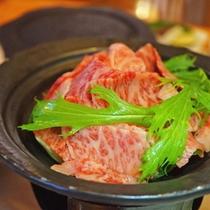 ★大分県産・豊後牛を蒸し野菜と一緒にタジン鍋で頂きましょう!