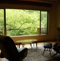 【お部屋からの景色】四季折々に美しい景観をご覧いただけます。