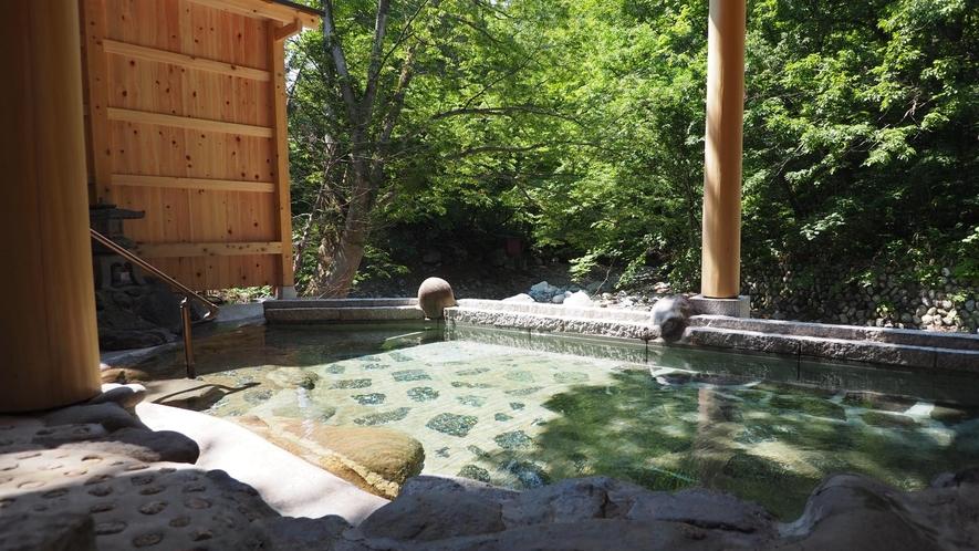 【2021年7月リニューアル!】<せせらぎの湯>谷川の清流に面した混浴露天風呂(女性専用時間あり)