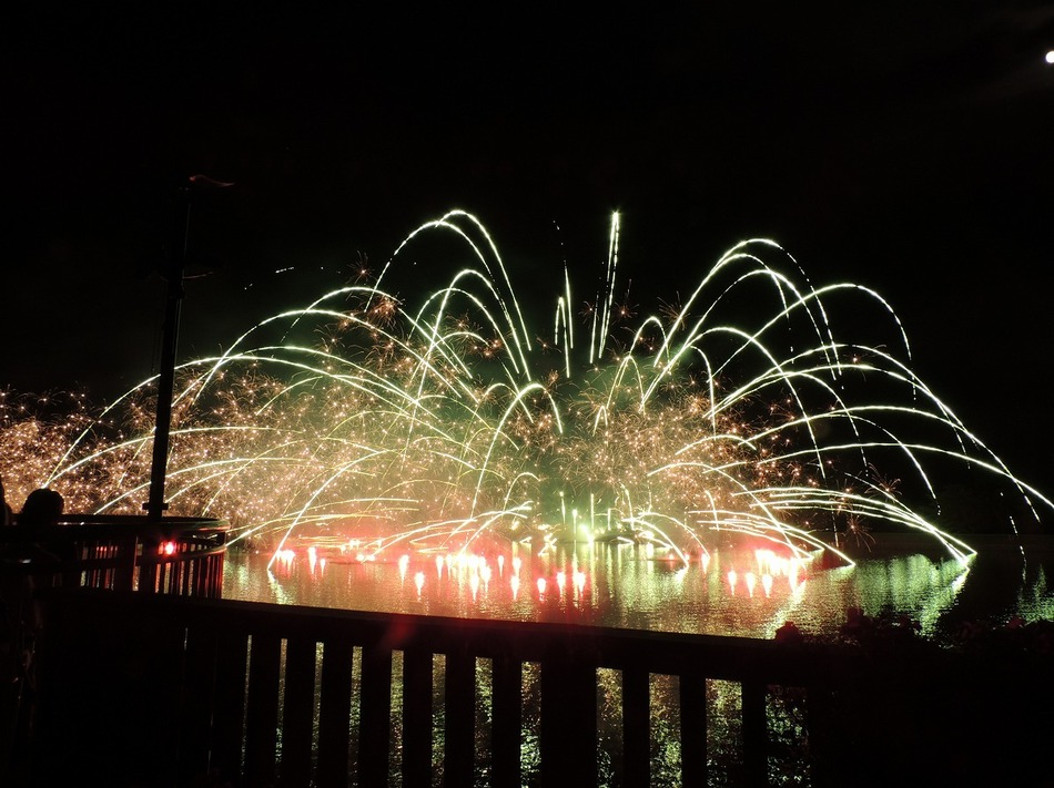 【りんどう湖湖上花火】2
