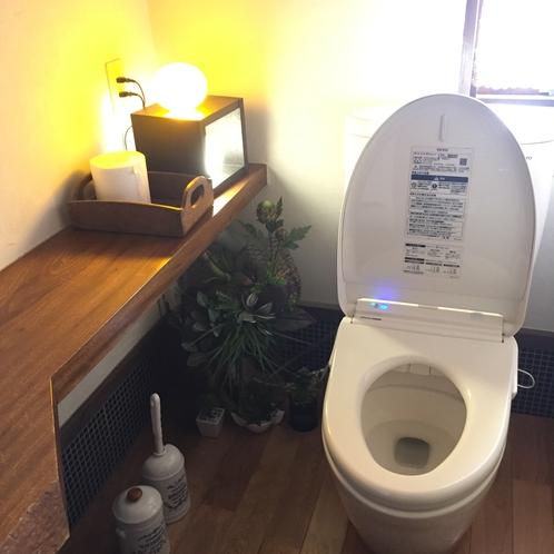 共同トイレ/温水洗浄機付き