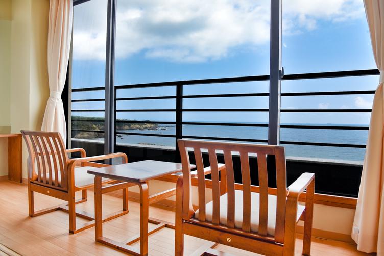 客室から眺める一面の海