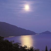 ■支笏湖の彩
