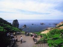 島武意海岸・展望台