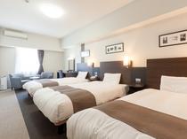 ファミリールーム◆広さ36平米◆3ベッド(添い寝無料のお子様はベッドの追加なし)