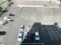 【駐車場】敷地内平面駐車場◆ハイルーフ車でも駐車可能