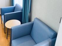 ハイルーフルームのソファー
