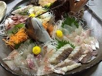 鯛とハマチと伊勢えびとミル貝の盛り合わせ