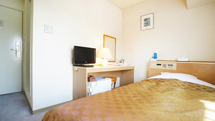 シングルルーム ベッド幅105cm ビジネスにも観光にも便利なリラックスルーム♪