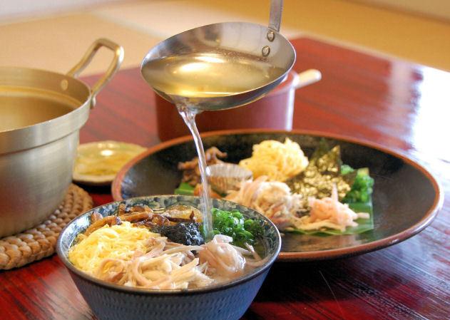 奄美の郷土料理『鶏飯』(けいはん)