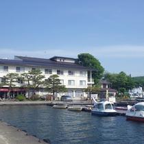 *【外観】上信越道「信濃町IC」から車で5分。JR信越線「黒姫駅」からバスで15分の立地です。