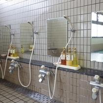 *【風呂】シャンプー、コンディショナー、ボディーソープは、【POLA一式】をご用意。