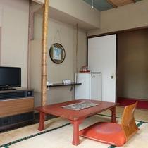 *【客室一例】一人旅でもビジネス利用でもごゆっくりとお過ごしいただけるお部屋をご用意しております。