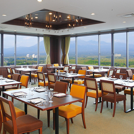 那須連山を一望できるパノラマビューが魅力のレストラン『天空の森』イメージ