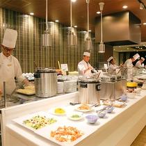 【夕食】13階パノラマレストラン『天空の森』ディナーバイキング(イメージ)