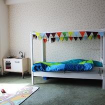 【ウェルカムベビー認定ルーム】36㎡洋室お子様ベッドがあるお部屋