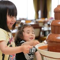 お子さま大好きチョコレートフォンデュ♪(イメージ)