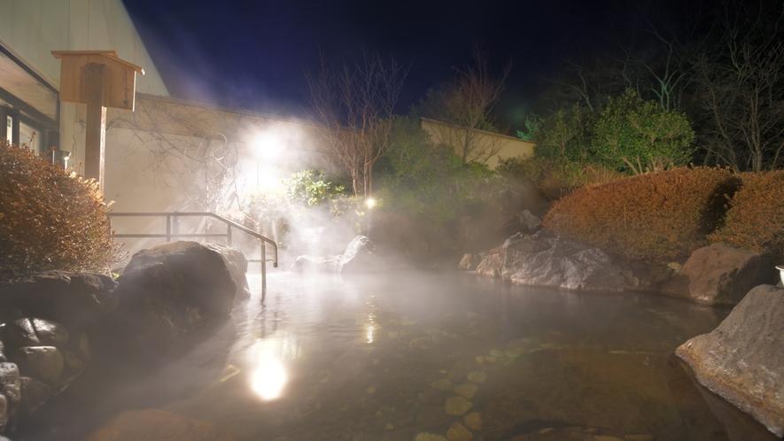 露天温泉岩風呂 夜(イメージ)