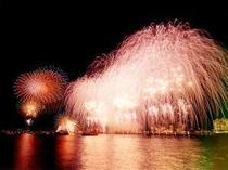 13. 8月18日〜21日までの4日間、花火大会です