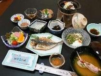 9. 天日干しの干物がメインの朝食(一例)