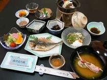 21. 天日干しの干物で美味しい朝食をどうぞ(一例)
