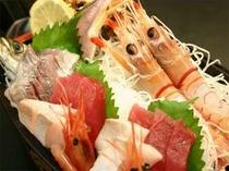 25. 鮮度抜群のお刺身をふんだんに盛り込んだ舟盛りは格別!(写真はイメージです)