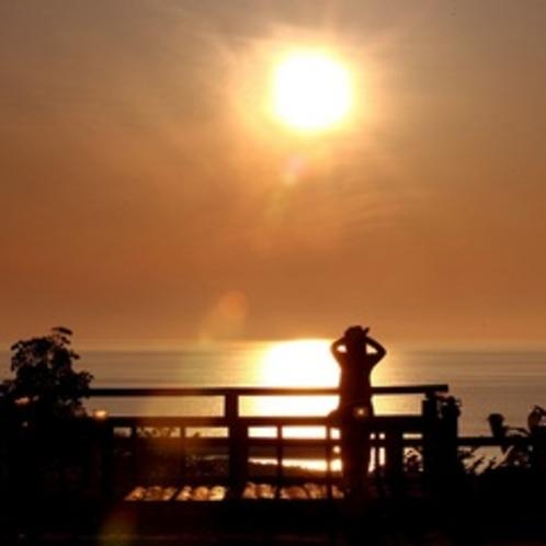オホーツク海に沈む夕日:プロカメラマン宮村 仁司氏 撮影