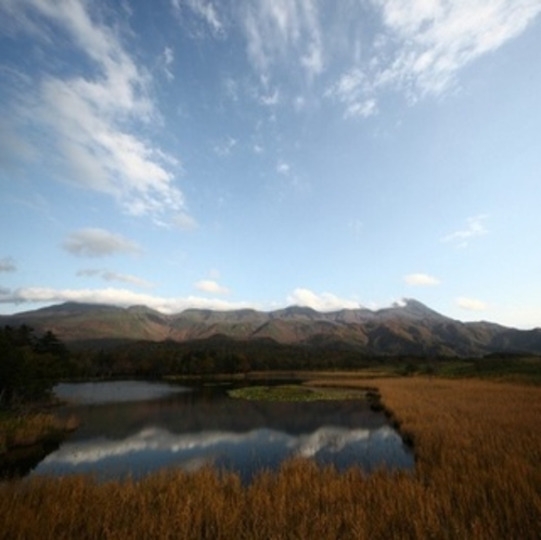 知床五湖の一湖と知床連山:プロカメラマン宮村仁司氏撮影