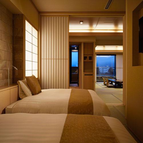806 12.5TW露天風呂付富士山 ベッドルームからの客室