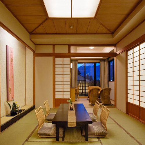 020 607展望風呂付富士山 客室.jpg