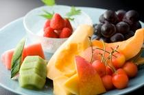 別注料理 (季節のフルーツ盛り合わせ)一例