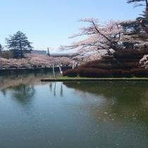 上杉神社までは車で5分程。観光、参拝、散策にお薦めです♪