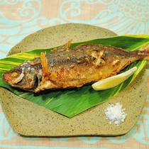 *【夕食一例】赤ウルメ(グルクン)のから揚げ。