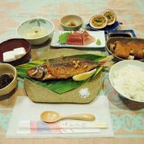 *【夕食一例】奄美大島の郷土料理が味わえる日替わり定食