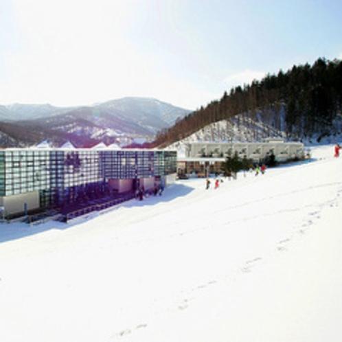 【朝里川スキー場】ウィンケルビレッジより徒歩約8分、車で約3分