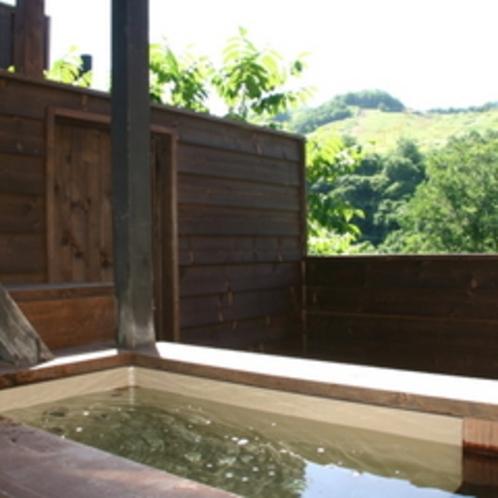 【露天風呂付コンドミニアム】美月(みづき)≪7名定員用≫〜日差しを浴びながら、温泉に浸かる幸せ〜
