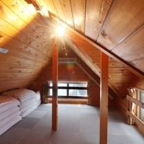 【別荘・8名定員用】B-1 〜2階の寝室からロフトへ!ワクワクする気持ちが止まらない!〜