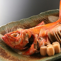 *<料理イメージ>地元出身の料理長が腕を振るう海の幸料理をご堪能ください(一例)